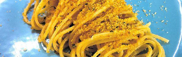 Spaghetti rigati con la mollica