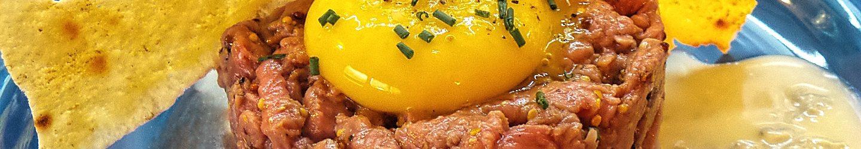 Tartare di manzo con crema di gorgonzola