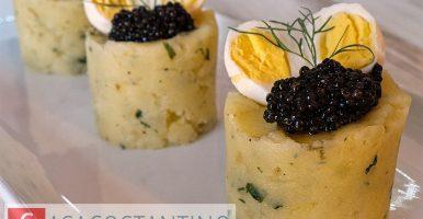 Tortini di patate con caviale e uova di quaglia